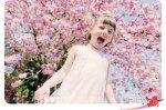 Enfant en extérieur / Alice sous le cerisier – Séance photo au jardin