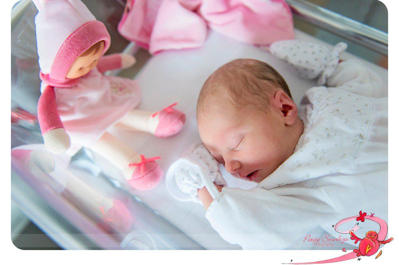 Petite Snorkys Photographe Naissance Bois de l'Abbaye Seraing Nouveau-né Reportage Maternité