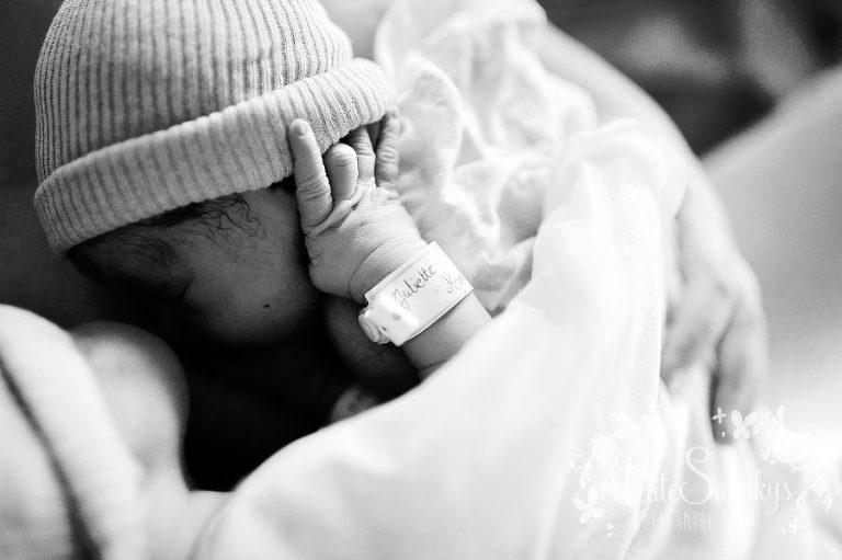 Accouchement - Photographe naissance - Reportage Maternité - Photo accouchement Liège - Petite Snorkys Photography - Hopital Bois de l'abbaye Seraing