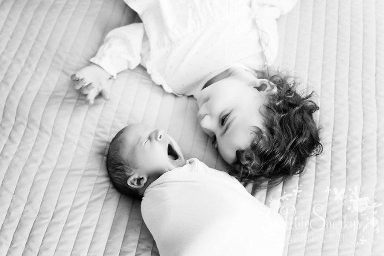 Liège, Reportage lifestyle, nouveau-né à domicile, reportage de vie, Naissance, bébé à domicile, Famille Lifestyle, photographe Liège, reportage photo famille, naissance, maternité, Petite Snorkys, Liège