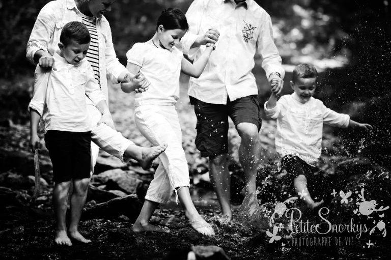 Reportage de vie, Photographe Lifestyle, Photo domicile Liege, Photographe Famille extérieure, Photographe Enfant Liège, Enfance, nature, Photo souvenir Liège, Ninglinspo, Portraits Famille